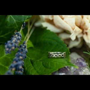 Sterling Silver-Celtic-Gothic-Infinity-Knot Ring